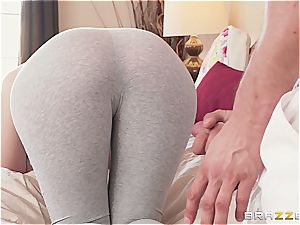 smashed through the yoga trousers like the messy fuckslut she is