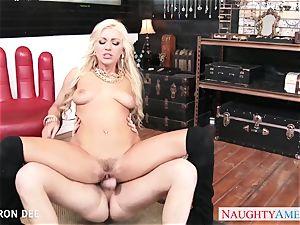erotic Cameron Dee take trunk