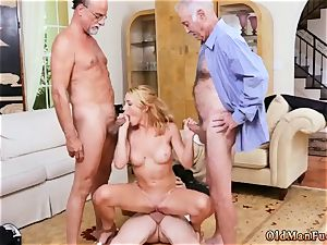 internal cumshot gigantic boobs cougar honey Frannkie And The group Tag crew A Door To Door Saleswoman