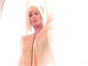 huge-chested blondes Shyla