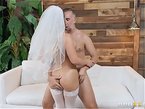 Cali Carter pulverized in her bridal undergarments