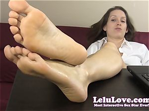 secretary taunts and taunts you with her nude feet