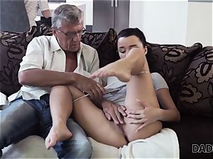 DADDY4K. dad takes part in spontaneous hump with beauty Erica black